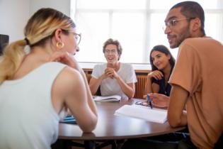 Dauphine 2019 - Discussion entre étudiants